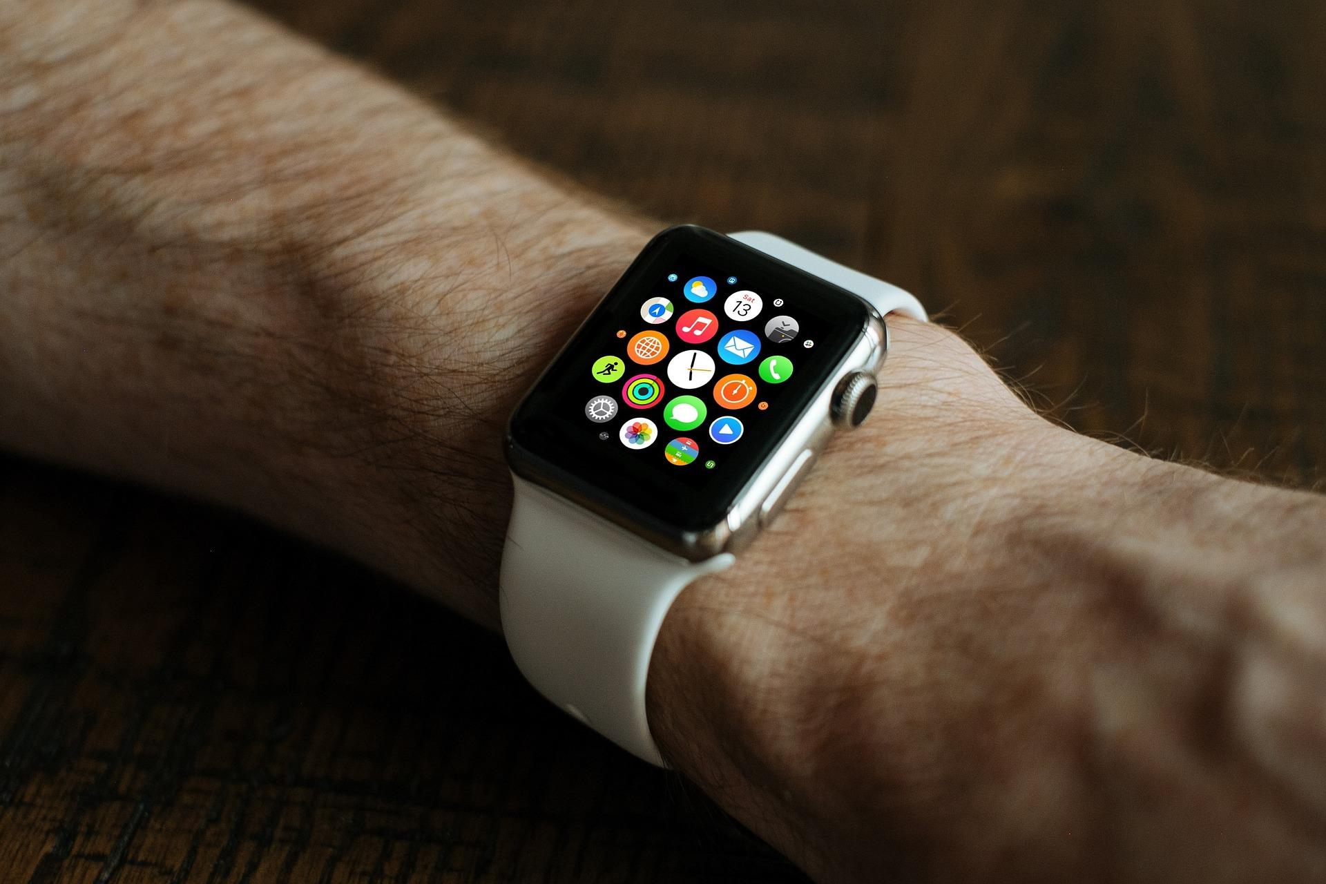 smart-watch-821559_1920